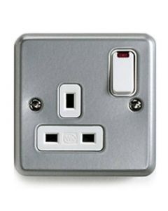 Switched Socket 1 Gang 13a Dual Earth